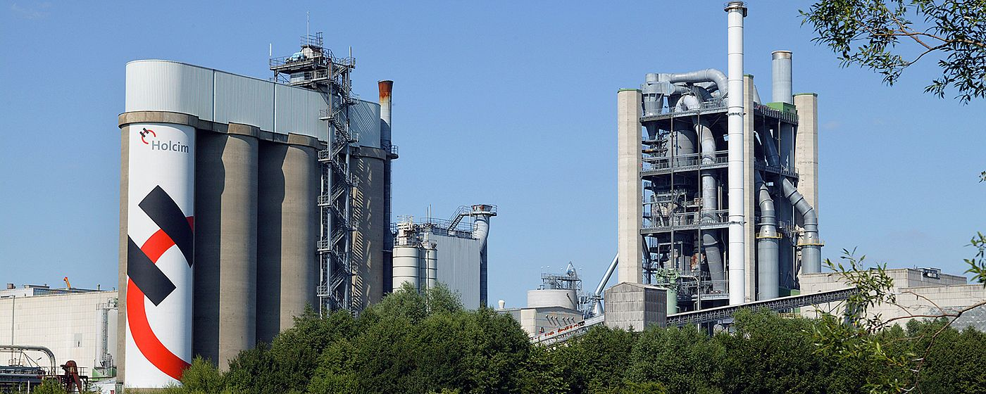 Holcim - Holcim selects standard tool for process automation - Engineering Base