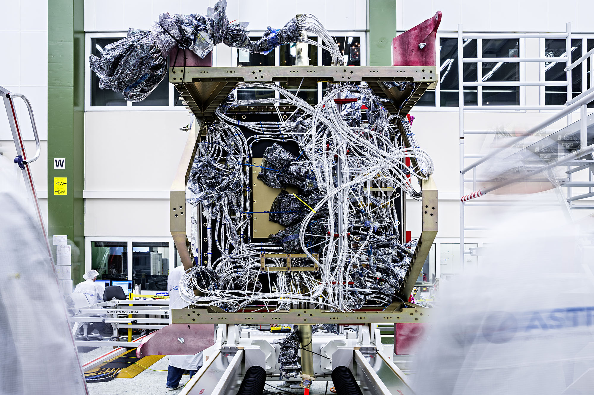 Cabling of the Airbus satellite Sentinel-2A with Aucotec's Engineering Base